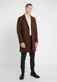 PS Paul Smith - OVERCOAT - Płaszcz wełniany /Płaszcz klasyczny - brown - 1