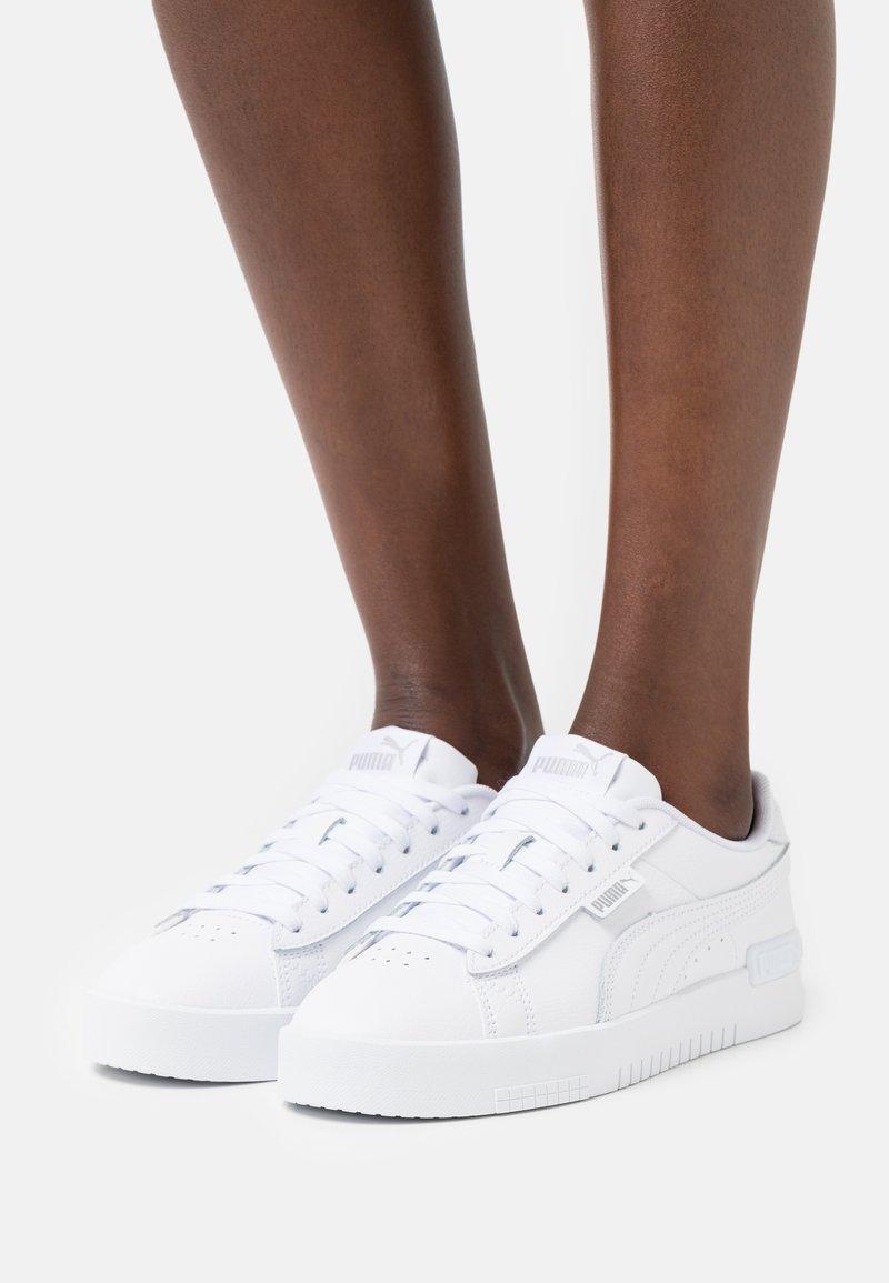 Puma - JADA - Sneakers laag - white/silver