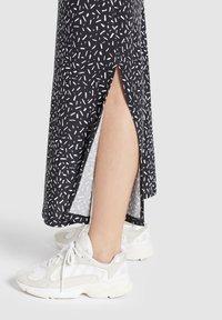 khujo - DOREEN - Maxi dress - schwarz-weiß gemustert - 6