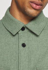 ARKET - Skjorta - khaki/green - 6