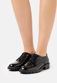 Miss Selfridge - FIONA CHUNKY LACE UP - Oksfordki - black - 0