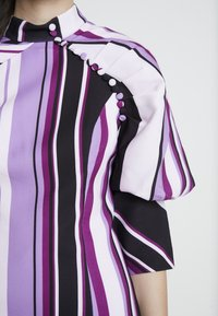Mossman - THE NEW SENSATION MINI DRESS - Cocktailjurk - purple - 6