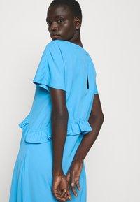 Holzweiler - TANYA DRESS - Denní šaty - blue - 3