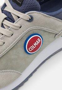 Colmar Originals - TRAVIS COLOR - Trainers - grey/dusty blue - 5