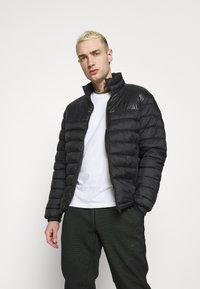 Nike Sportswear - PANT - Spodnie treningowe - black/mean green - 3