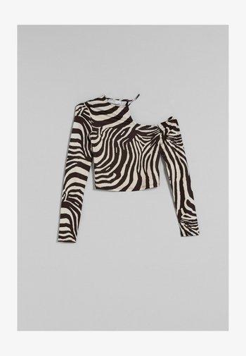 ASYMMETRISCHES  - Maglietta a manica lunga - white