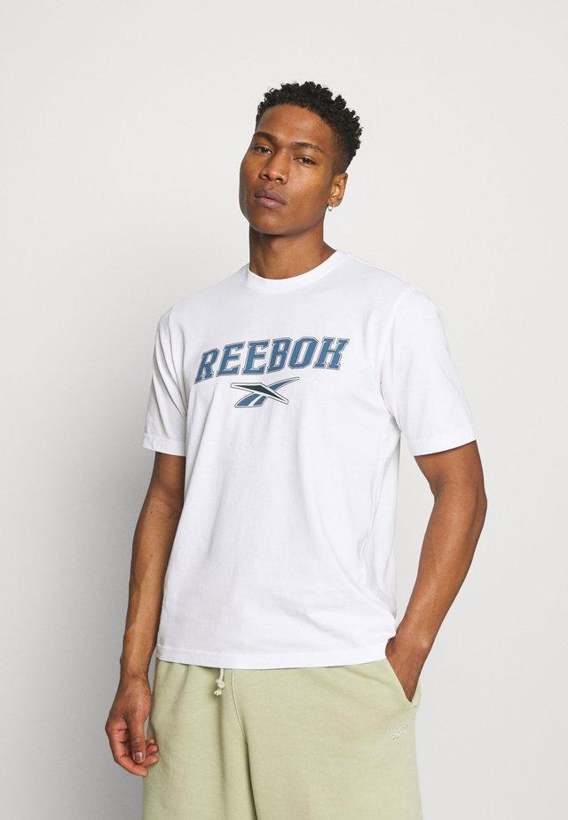 SOFT EDGE LINEAR TEE - T-shirt print - white