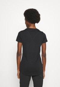 Icebreaker - SPHERE TEE - Basic T-shirt - black - 2