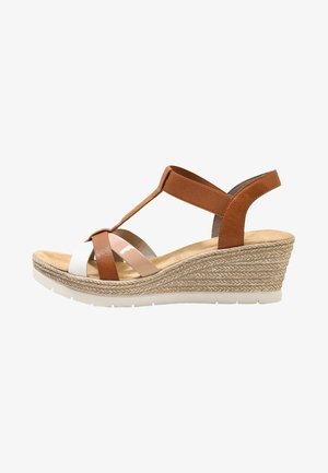 Sandály na platformě - bianco/cognac