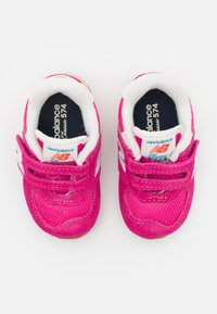 New Balance - IV574HP2 - Trainers - pink - 3
