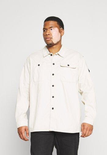 Shirt - moonbeam