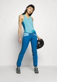 La Sportiva - JOY TANK - Treningsskjorter - pacific blue/neptune - 1