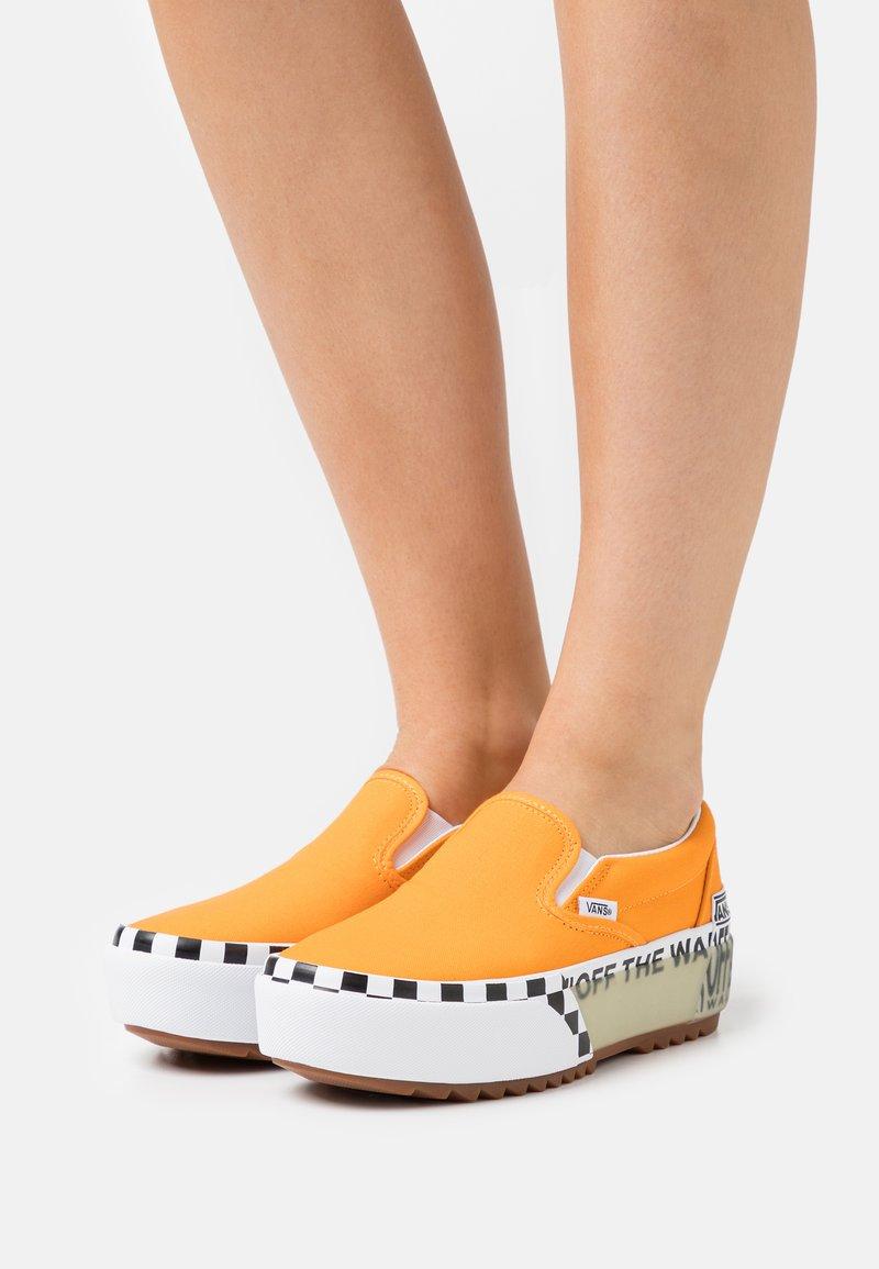 Vans - CLASSIC STACKED - Slip-ons - bright marigold/true white