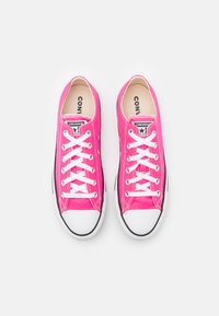Converse - CHUCK TAYLOR ALL STAR PET SEASONAL COLOR UNISEX - Trainers - hyper pink - 3