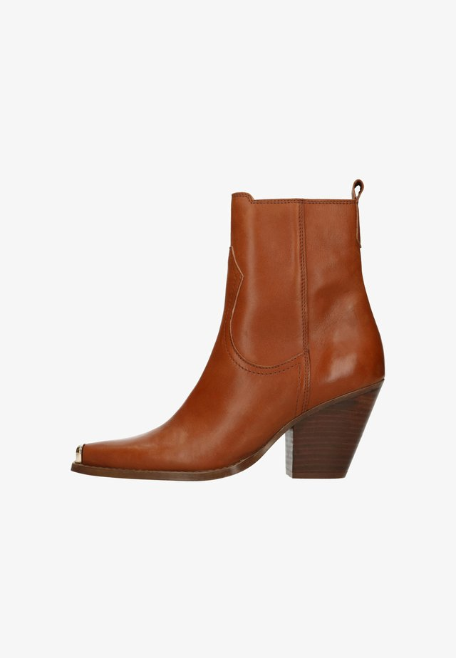 MIT METALLKAPPE - High heeled ankle boots - cognac