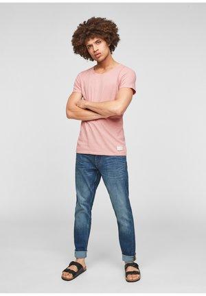 Basic T-shirt - misty rose