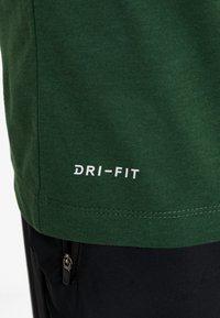 Nike Performance - DRY TEE PRO - Camiseta estampada - cosmic bonsai - 3