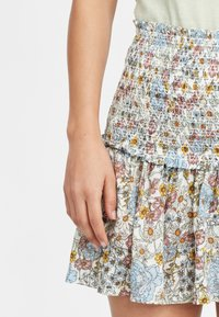 O'Neill - Pleated skirt - white with green - 3