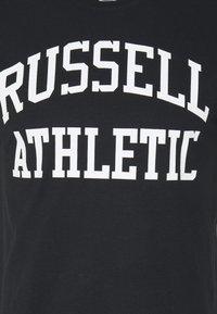 Russell Athletic Eagle R - ARCH LOGO CREWNECK TEE UNISEX - Print T-shirt - black - 2