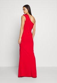 WAL G. - ONE SHOULDER MAXI DRESS - Vestido de fiesta - red - 2