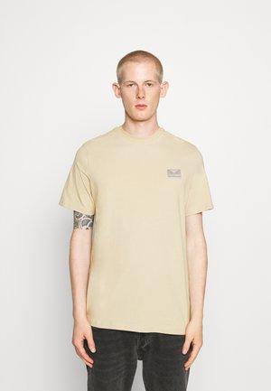 FERIE UNISEX - Print T-shirt - pale khaki