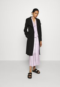 ONLY - ONLLIVA COAT - Kåpe / frakk - black - 1