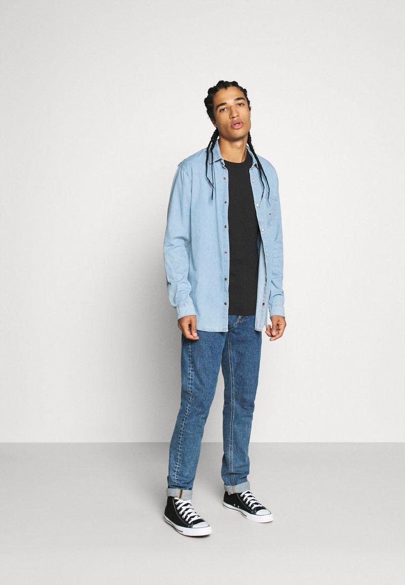Calvin Klein Jeans - 3 PACK SLIM TEE - T-paita - black/ grey heather/bright white