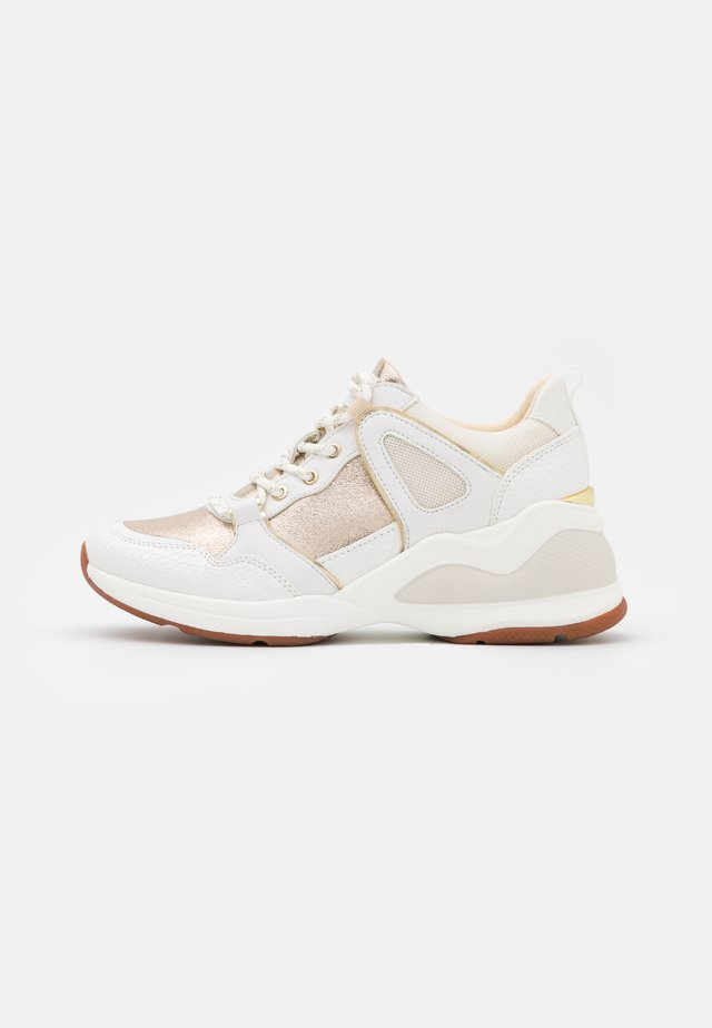 VANY - Sneakers laag - gold