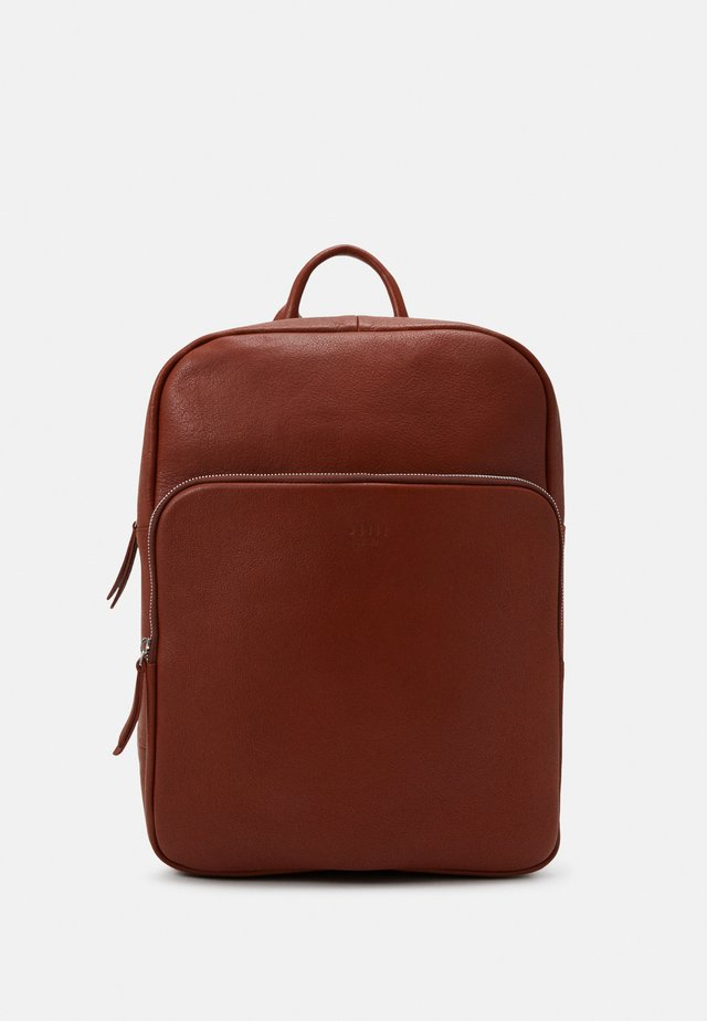 TRAIN BACKPACK UNISEX - Rucksack - cognac
