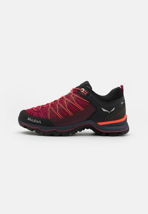MTN TRAINER LITE - Hiking shoes - virtual pink/fluo coral