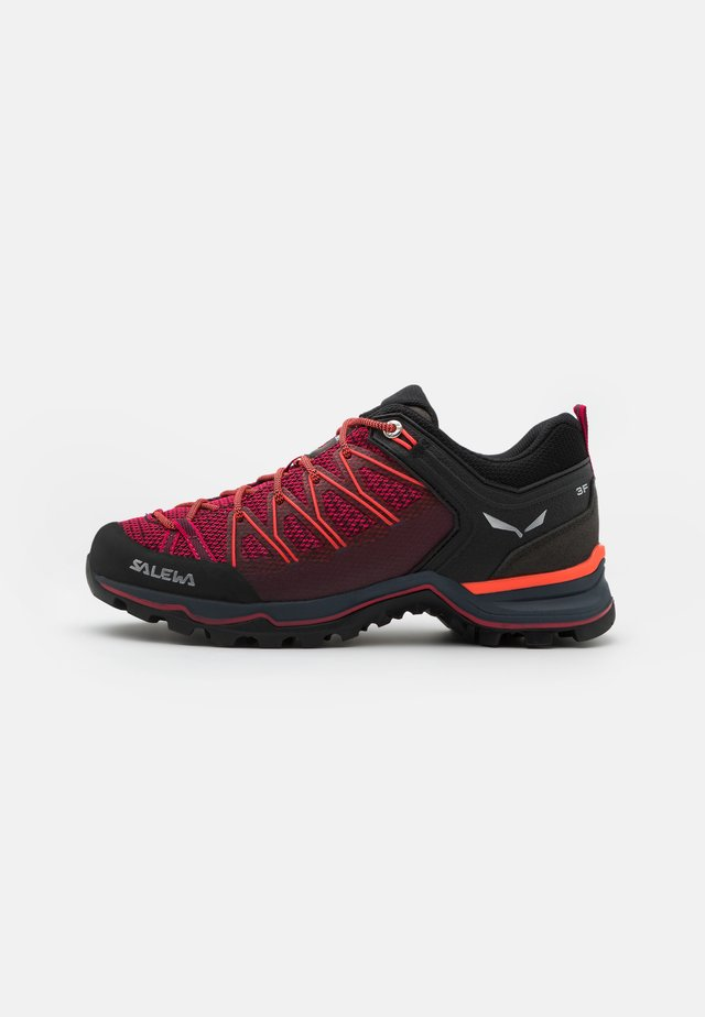 MTN TRAINER LITE - Outdoorschoenen - virtual pink/fluo coral