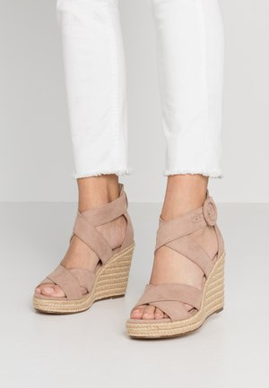 High heeled sandals - old rose