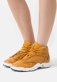 Jordan - AIR  - Zapatillas altas - chutney/black/white - 0