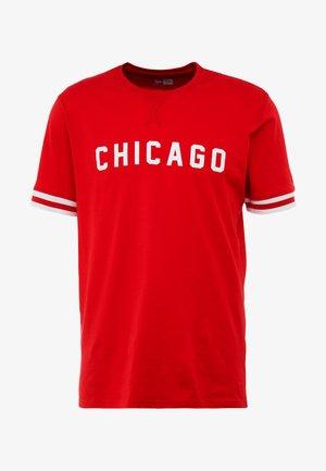 NBA WORDMARK TEE CHICAGO BULLS - Club wear - front door red