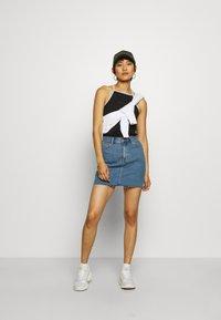 Calvin Klein Jeans - LOGO TRIM TANK - Top - black - 1