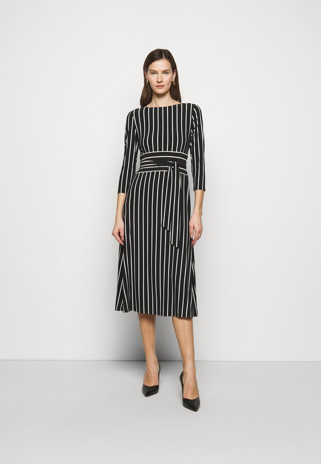 PRINTED MATTE DRESS - Jerseykjoler - black