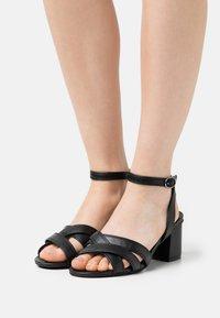 Divine Factory - Sandals - noir - 0