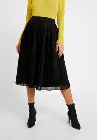Anna Field Petite - A-linjekjol - metallic black - 0
