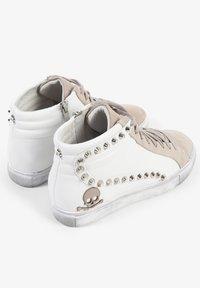 Scalpers - STUDS  - Sneakersy niskie - off white/beige - 2