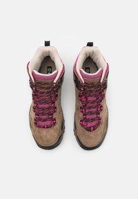 Hi-Tec - ENDEAVOUR WP WOMENS - Zapatillas de senderismo - brown/black/fuschia - 3