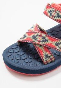 Jack Wolfskin - ZULU - Chodecké sandály - red/blue - 2