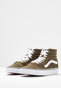 Vans - UA SK8-HI  - Sneaker high - beech/true white - 2