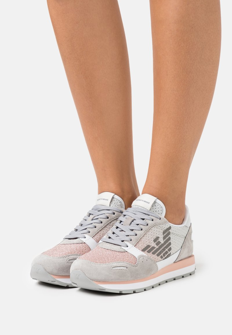 Emporio Armani - Trainers - ciment/rose/white