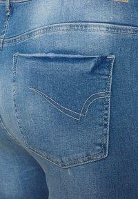 ONLY Carmakoma - CARLAOLA LIFE - Skinny džíny - special bright blue denim - 4