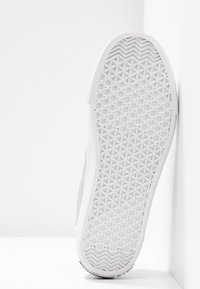 Love Moschino - Trainers - argento - 6