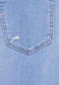 Bershka - MIT SEHR HOHEM BUND  - Jeans Skinny Fit - blue denim - 5