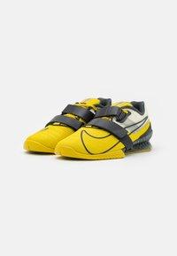 Nike Performance - ROMALEOS UNISEX - Sports shoes - bright citron/dark smoke grey/grey fog - 1