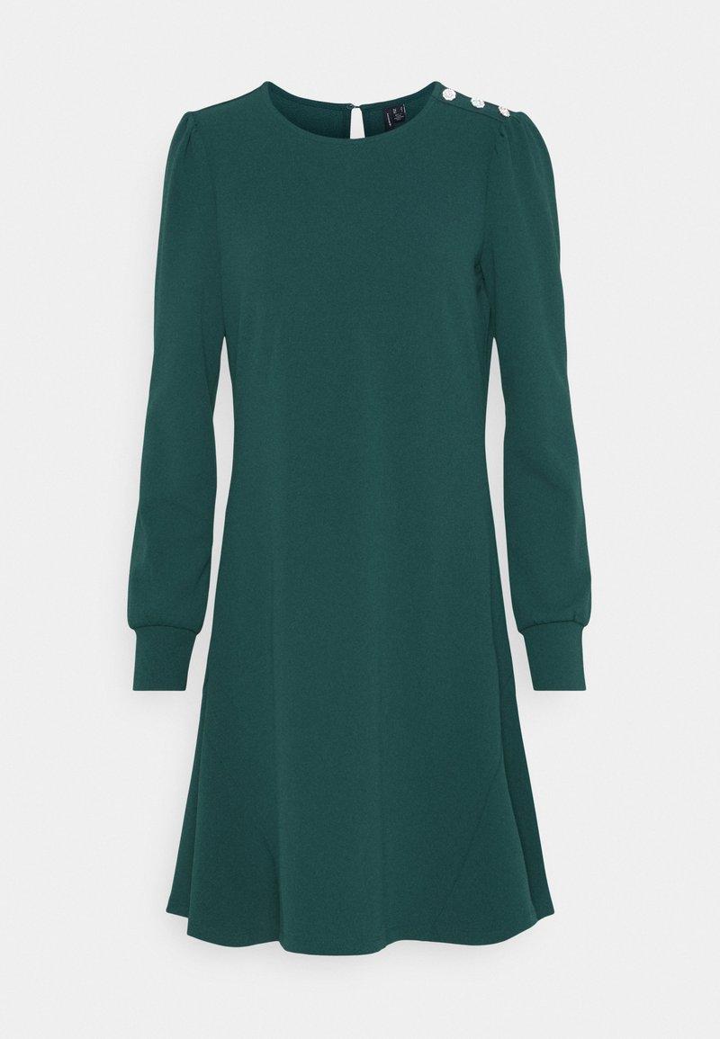 Vero Moda - VMJASMINE BUTTON DRESS - Jerseyklänning - ponderosa pine