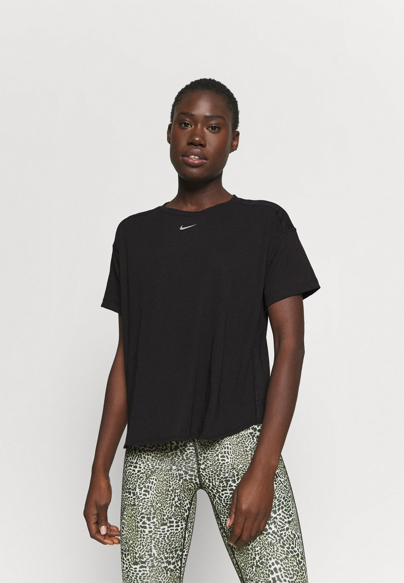 Nike Performance - AEROADAPT - Camiseta estampada - black/metallic silver