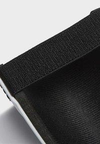 adidas Performance - PREDATOR - Schienbeinschoner - white - 2